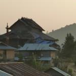 Panorama - Die Sonne geht unter über dem Palau Dorf von Nipal